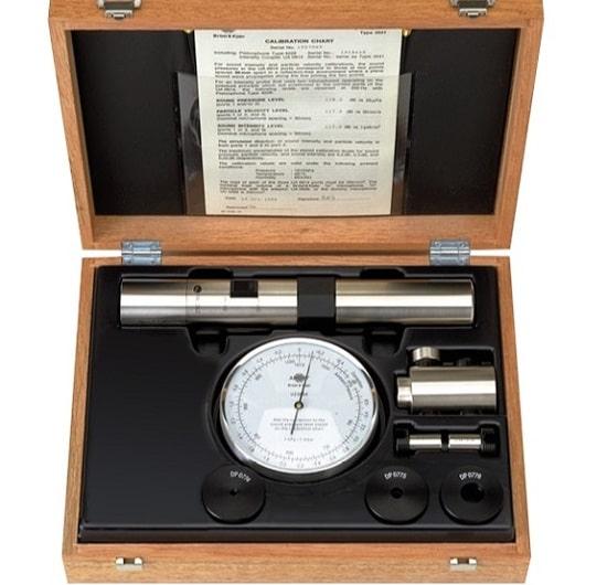 Интенсиметрический калибратор 3541-A
