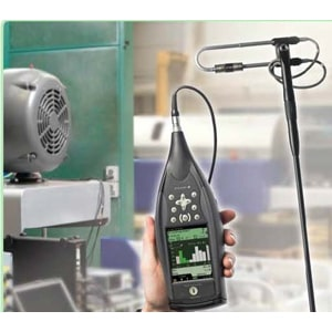 Ручная система измерения интенсивности звука 2270-G в работе
